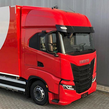Roter LKW Iveco